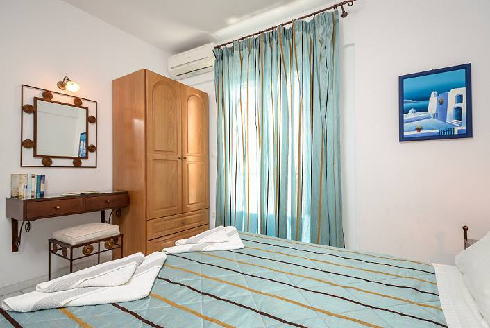Naxos family apartments